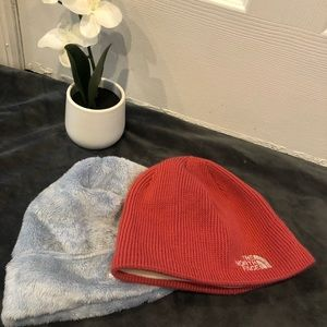 ✨ 2 North Face Hat's
